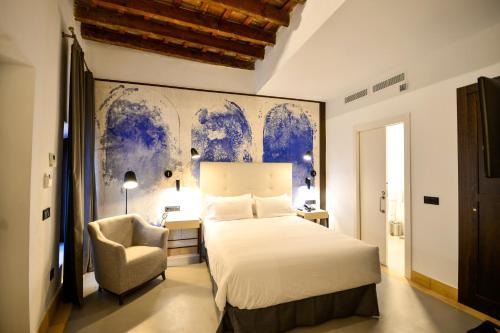 Standard Double or Twin Room Legado Alcazar 13