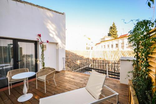 Superior Double or Twin Room with Terrace Hotel Legado Alcazar 8