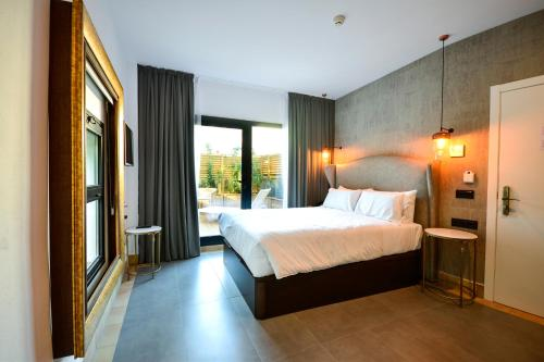 Superior Double or Twin Room with Terrace Hotel Legado Alcazar 12