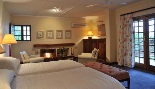 Coach House Hotel & Spa Photo