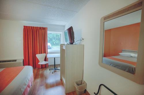Motel 6 Albany Photo