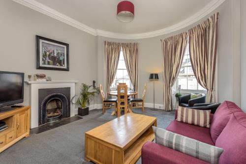 HotelEvergreen Property - Broughton Street