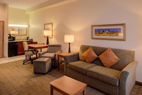 Hampton Inn And Suites Ontario - Ontario, CA 91764