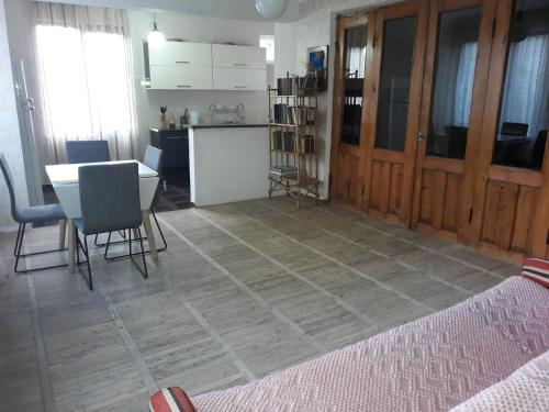 guesthouse in ambrolauri