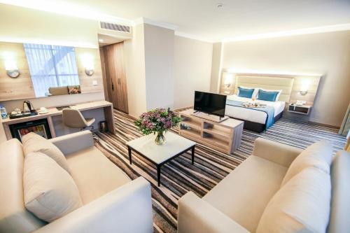 Çayyolu Hotel Excellence Inn telefon
