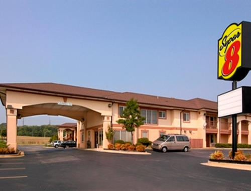Super 8 By Wyndham Decatur Priceville - Decatur, AL 35603