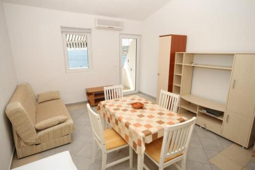 Apartment Metajna 6466d