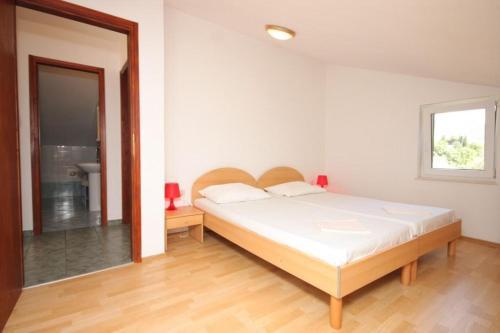 Apartment Cres 8095a