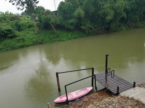 Maithong Riverside