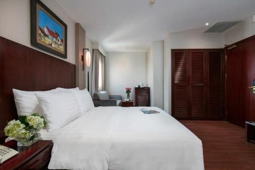 Quoc Hoa Premier Hotel & Spa photo 40