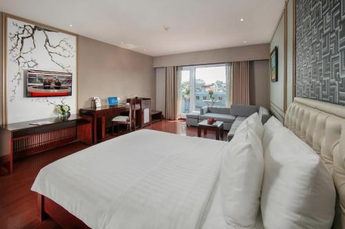 Quoc Hoa Premier Hotel & Spa photo 42