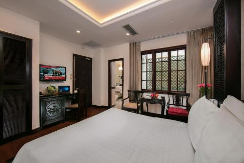 Quoc Hoa Premier Hotel & Spa photo 49