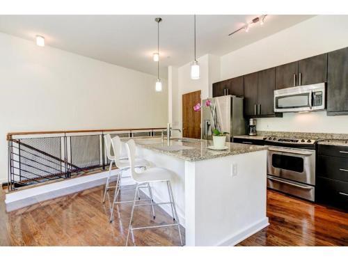 1 Bedroom Loft/ Event Space - Atlanta, GA 30313