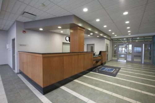 Residence & Conference Centre - Hamilton - Hamilton, ON L9C 7V7