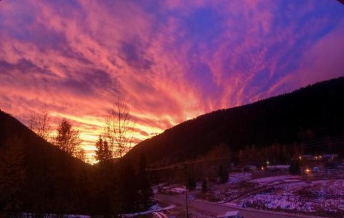 The Burfield - Sun Peaks, BC V0E 5N0