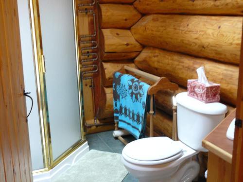 Hitching Post Resort - Kelowna, BC V1P 1J4