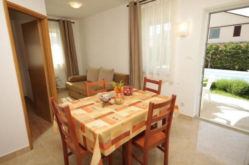 Apartment Stokovci 9039a