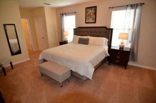 1150 Cypress Pointe - Six Bedroom Villa