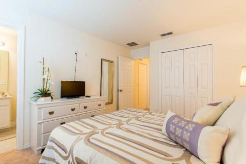 1020 Las Fuentes Drive - Three Bedroom Townhome