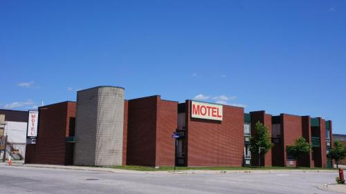 Kowality Motor Inn - Dryden, ON P8N 1X6