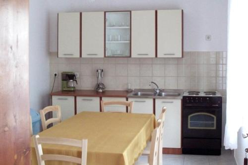 Apartment Novi Vinodolski 2417a