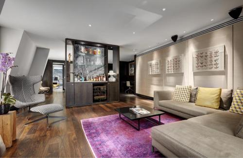 3 South Place, City of London, London, England, United Kingdom, EC2M 2AF.