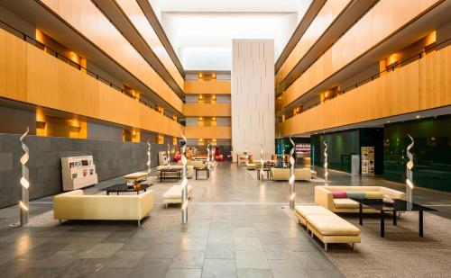 Tryp Barcelona Aeropuerto Hotel photo 35