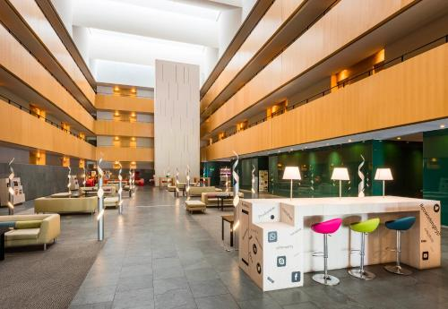 Tryp Barcelona Aeropuerto Hotel photo 36
