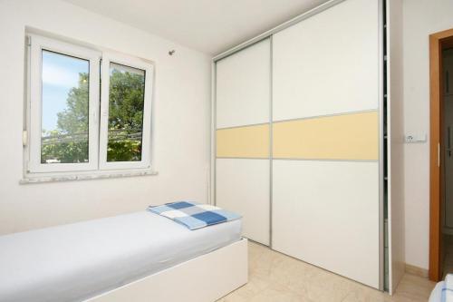 Apartment Pinezici 5464b