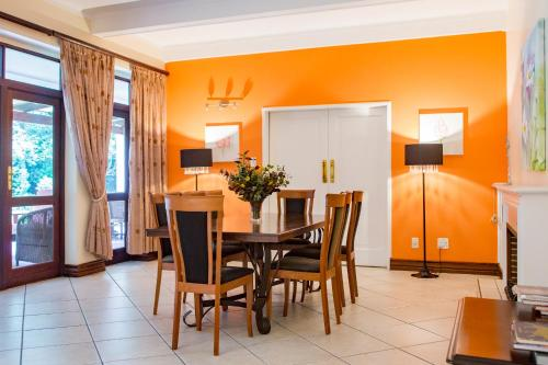 Sandton Lodge Inanda Guest House Photo