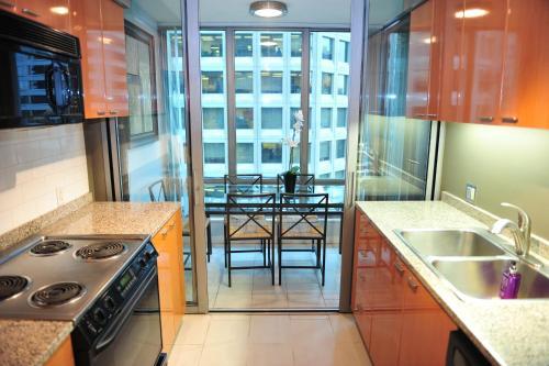 Coal Harbour 1bdr 1den Suite With Great Views - Vancouver, BC V6E 4R2