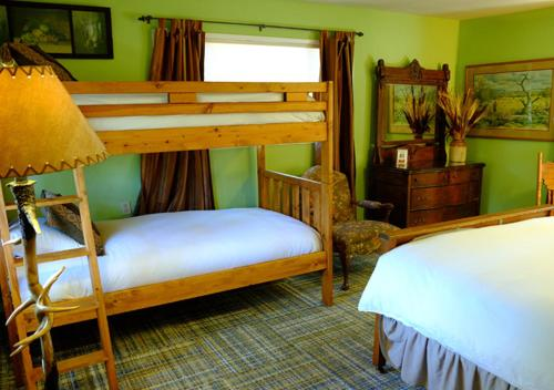 Yosemite Bug Rustic Mountain Resort Hotel Review Yosemite
