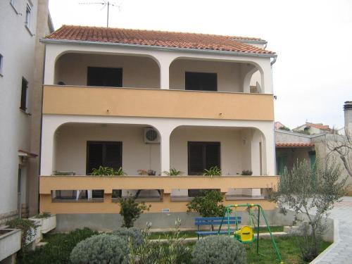 Apartment Brodarica 4221a