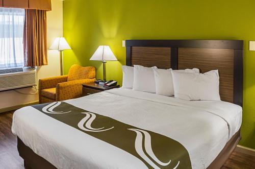 Quality Inn Biloxi Beach Photo