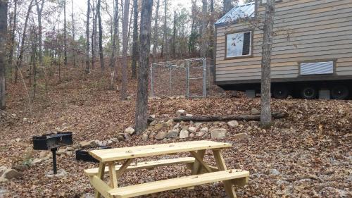 Parker Creek Bend Cabins - Murfreesboro, AR 71958