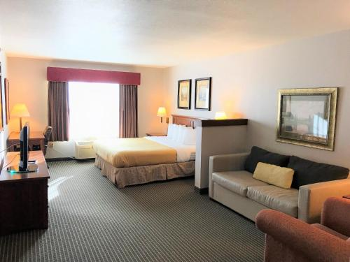 Country Inn & Suites by Radisson, Zion, IL Photo