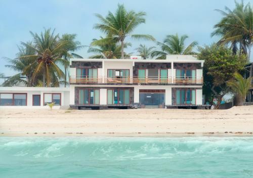 Cormorant Beach House Photo