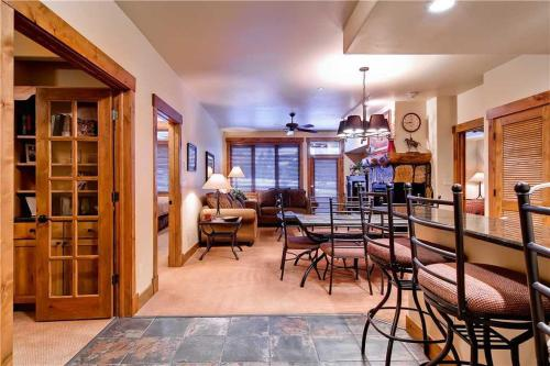 3206 Champagne Lodge Trappeur's Crossing - Steamboat Springs, CO 80487