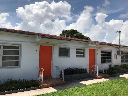 Sunshine Inn Of Miami - Miami, FL 33134