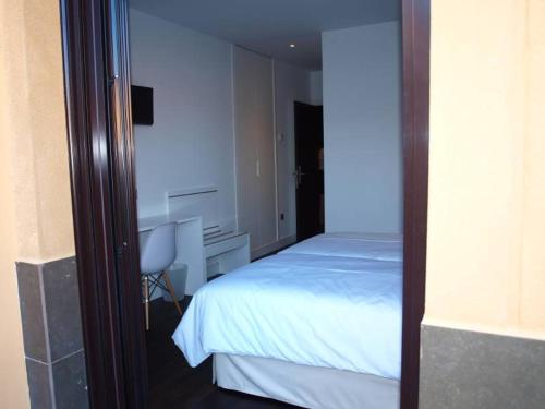 Standard Twin Room - single occupancy Hotel Las Casas de Pandreula 15