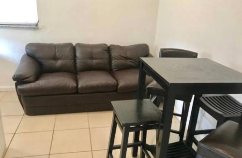 Amazing West Wynwood Guest House - Miami, FL 33142