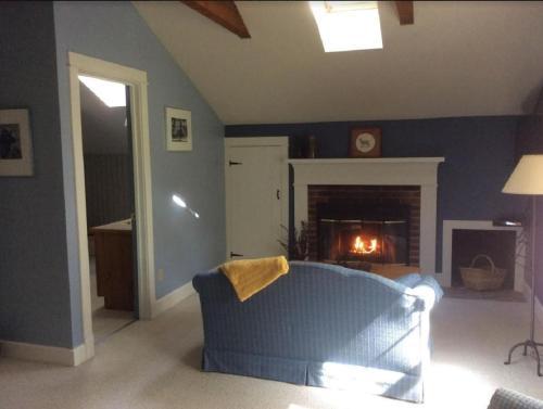 Pine Hollow Inn - Galena, IL 61036