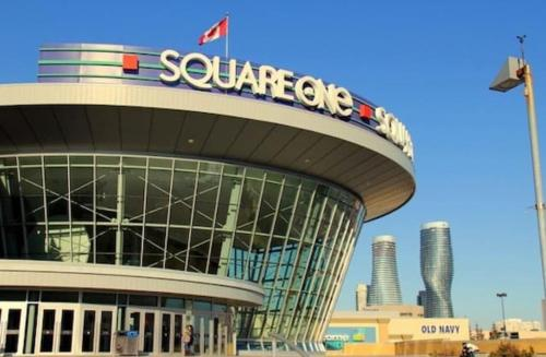 Great Downtown Luxurycodo - Mississauga, ON L5A 0A1