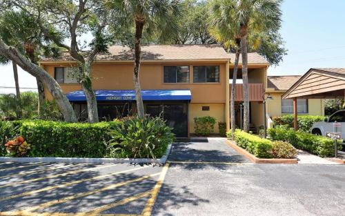 220d Townhome At Sarasota With Intercoastal Waterway View