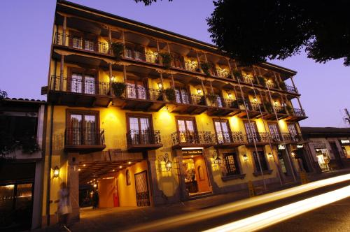 Hotel Santa Cruz Plaza Photo