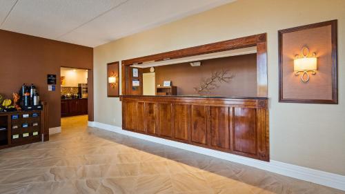 Best Western Columbia Inn - Columbia, KY 42728