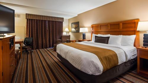 Best Western Plus Bloomington Hotel Photo