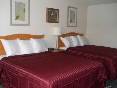 Oyster Bay Inn - Bremerton, WA 98312