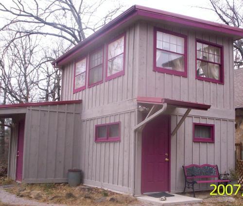 Cozy Cabin Surrounded By Nature - Eureka Springs, AR 72631