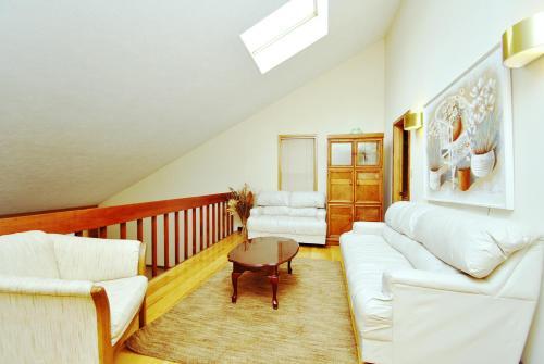Light Cabin - East Stroudsburg, PA 18356